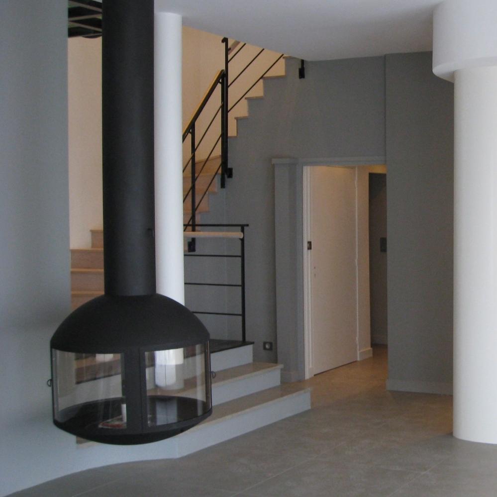 Restructuration d'une villa contemporaine à Voiron